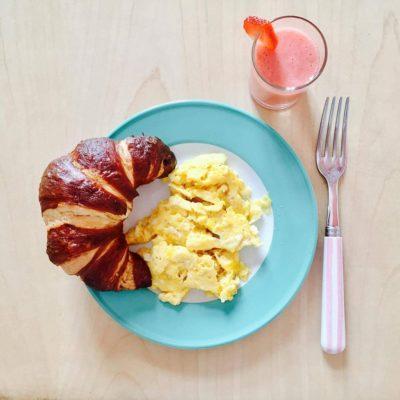Heute zum ersten Mal seit der Gründungsfeier so richtig ausgeschlafen! :-) Reicht mein Frühstück schon für einen instagram-Account? …